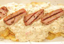 Απάκι με σάλτσα τυριού και πατάτες τηγανητές